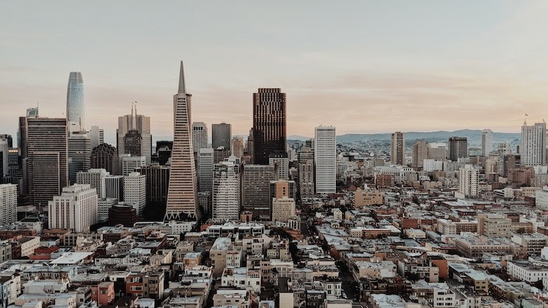 city skyline Eliminate Point Solutions & Streamline IT resource page