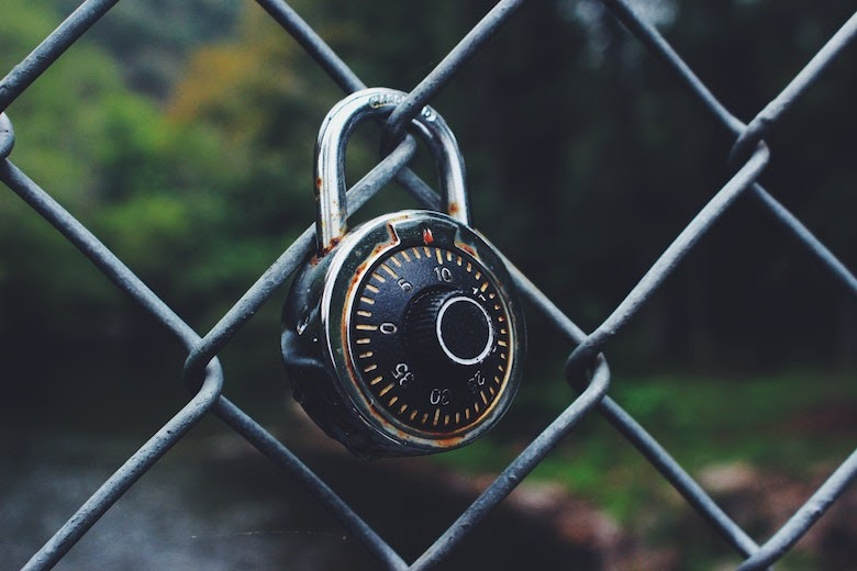 spinning padlock on chain link fence   what is webauthn